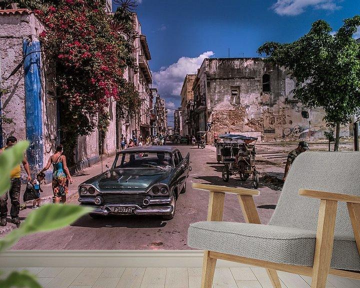 Sfeerimpressie behang: Straten van Havana van Natascha Friesen Baggen