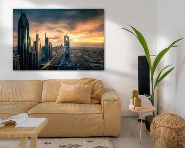 Dubai Skyline sunset van Martijn Kort
