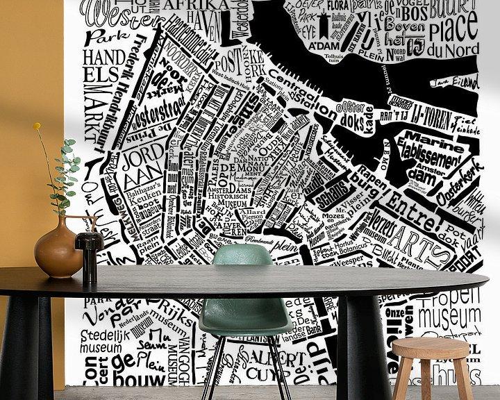 Sfeerimpressie behang: Amsterdam,  typografische plattegrond met A'dam toren van Muurbabbels Typographic Design