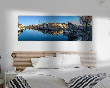 Historische haven in Leiden van Richard Steenvoorden