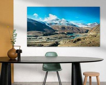 Unberührte Berglandschaft in Tibet von Rietje Bulthuis