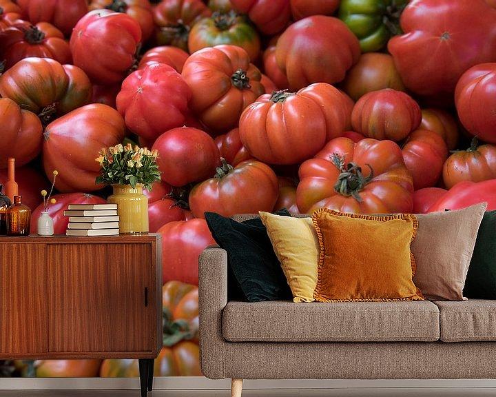 Sfeerimpressie behang: Verse tomaten voor de muur van Tanja Riedel