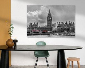 Londen foto - Skyline met rode bussen - 1 van Tux Photography
