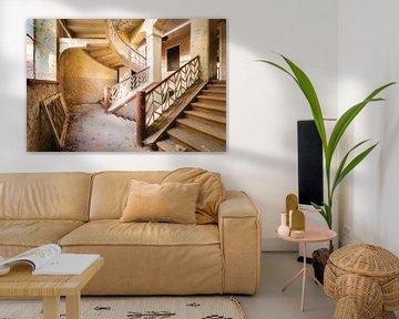 Treppe mit einer Wendung. von Roman Robroek