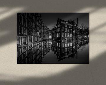 Amsterdam grachten avond / nacht Zwart Wit von Mario Calma