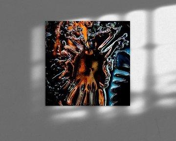 Broken Glass IV van Rob van der Pijll