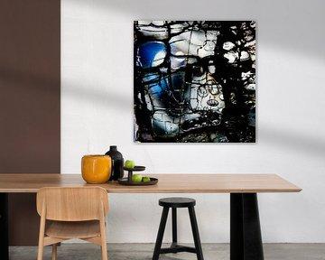 Broken Glass VI van Rob van der Pijll