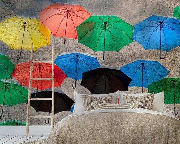 Impression: des parapluies dans le ciel sur Ariadna de Raadt-Goldberg