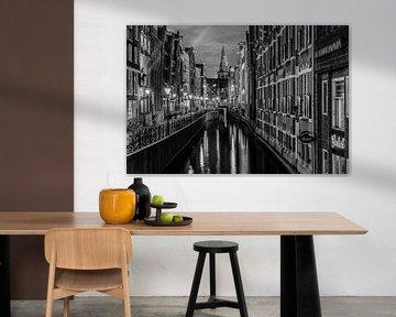 Amsterdam Gracht am Abend von Mario Calma
