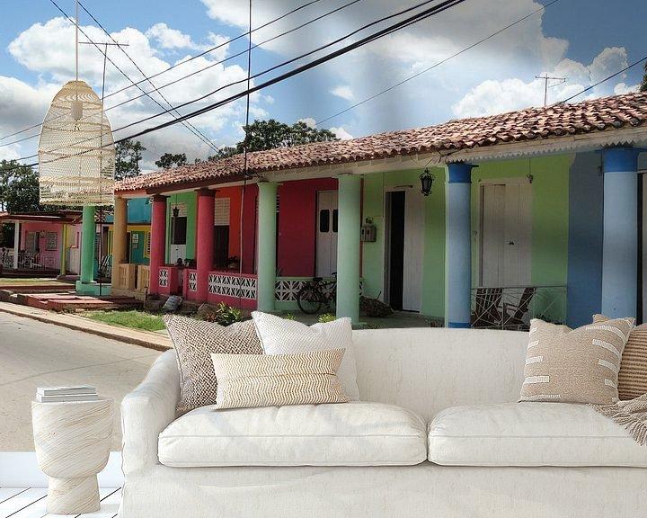 Sfeerimpressie behang: Kleurrijke huizen in Trinidad Cuba van Bianca Louwerens