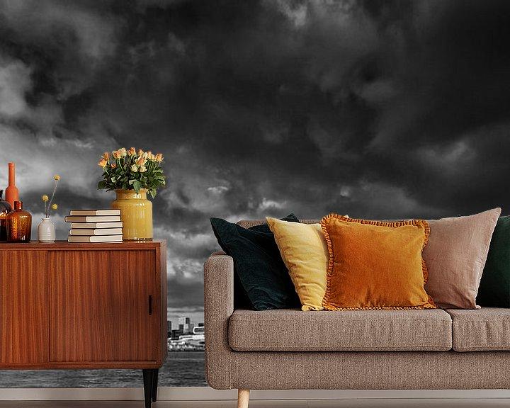 Sfeerimpressie behang: Skyline Rotterdam | Zwart-Wit van Mark De Rooij