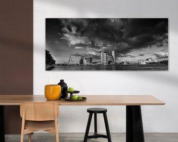 Skyline Rotterdam | Schwarz und Weiß von Mark De Rooij