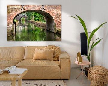 De Brigittenbrug over de Nieuwegracht in Utrecht in de zomer (3) van De Utrechtse Grachten