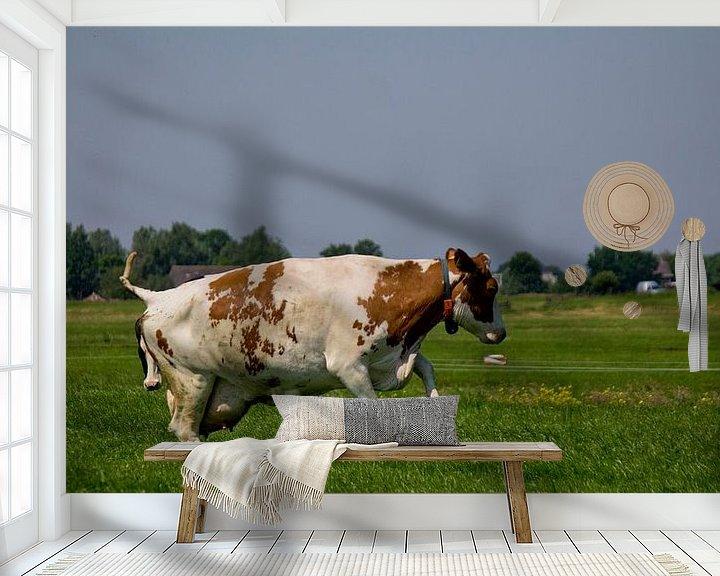 Sfeerimpressie behang: Springende koe van PJG Design