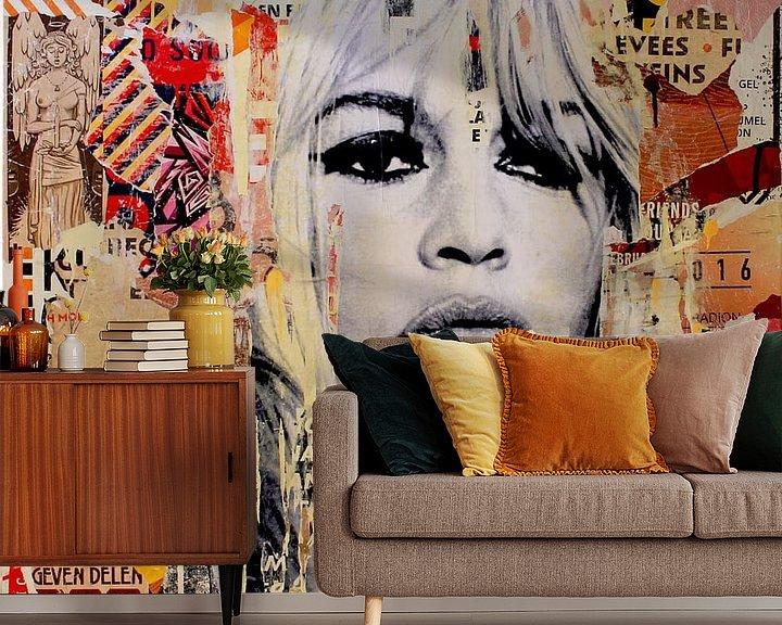 Sfeerimpressie behang: Brigitte Bardot van Michiel Folkers