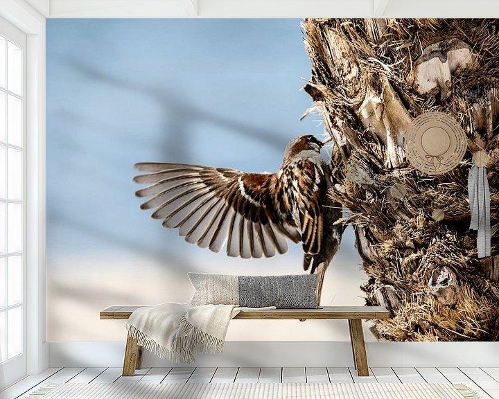 Sfeerimpressie behang: Mus met gespreide vleugels van Ton de Koning