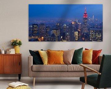 Manhattan New York met het Empire State Building in de avond, panorama sur Merijn van der Vliet