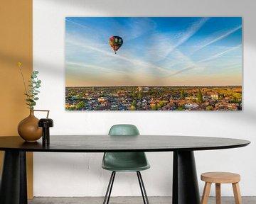 Luchtballon boven Hilversum van Dennis Kuzee