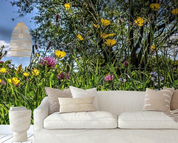 Sfeerimpressie behang: Voorjaarsbloemen van Frans Blok