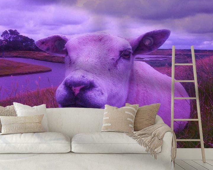 Sfeerimpressie behang: schaap, the sheep, der hammel,  van Yvonne de Waal Malefijt