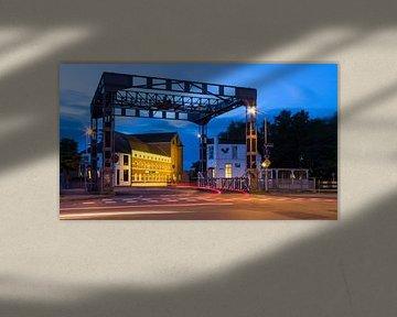 Hefbrug Eindhovenskanaal en DAF museum van Joep de Groot