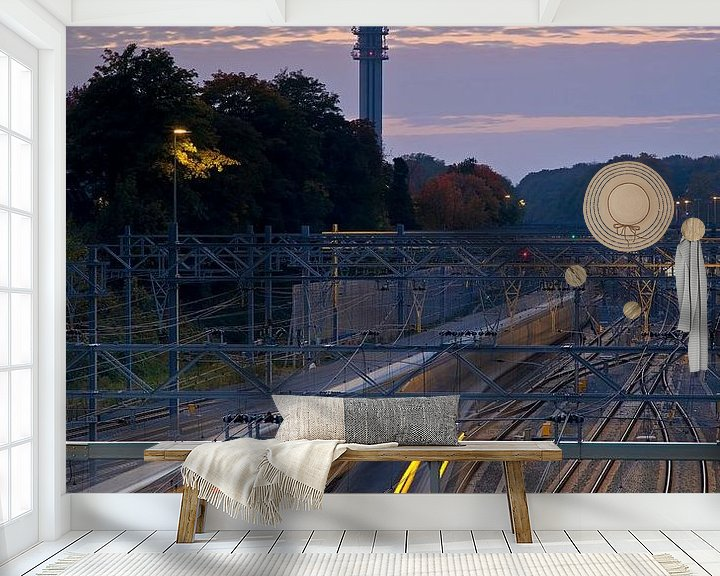 Sfeerimpressie behang: Spoor Arnhem van Anton de Zeeuw