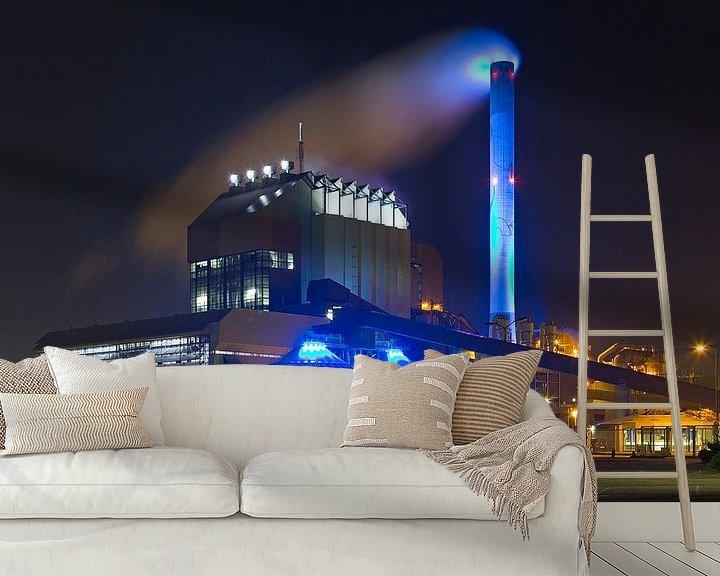 Sfeerimpressie behang: Nachtfoto Electrabel centrale te Nijmegen van Anton de Zeeuw
