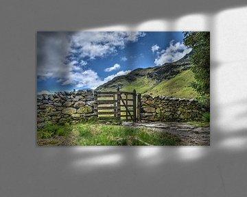 Stenen muur met kissing gate
