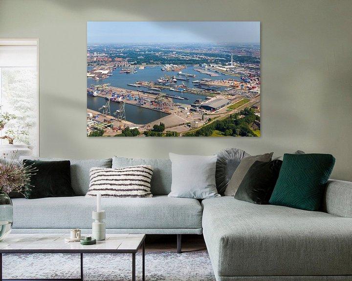 Sfeerimpressie: Luchtfoto Waalhaven te Rotterdam van Anton de Zeeuw