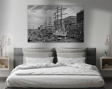 Sail Amsterdam in zwart-wit van John Kreukniet
