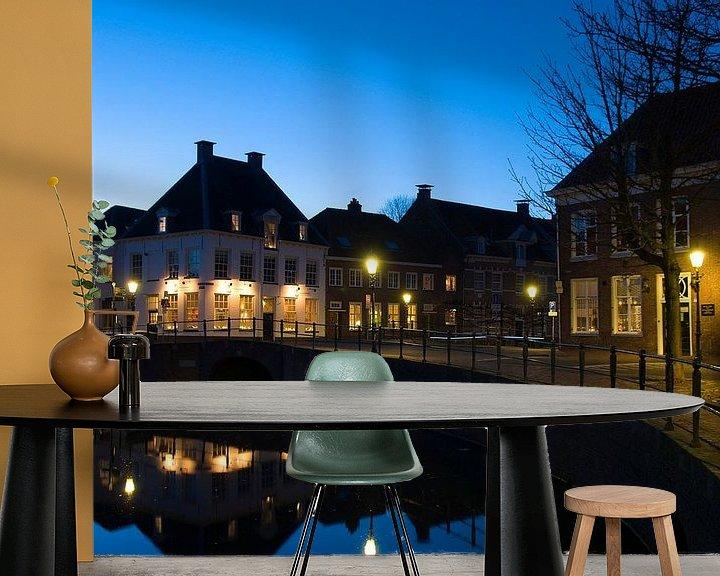 Sfeerimpressie behang: Amersfoort bij nacht van Richard van den Brink