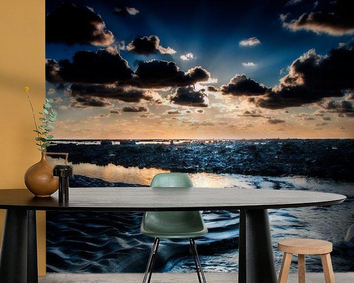 Sfeerimpressie behang: Back to the sea van Ruud Peters