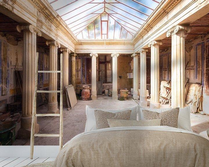 Sfeerimpressie behang: Ruimte in een Klooster. van Roman Robroek