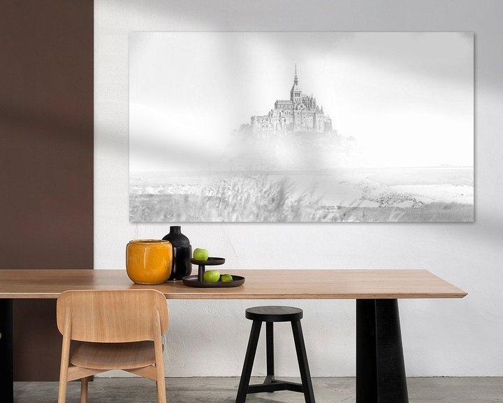 Sfeerimpressie: De Mont Saint-Michel Frankrijk Zwart wit van Rob van der Teen