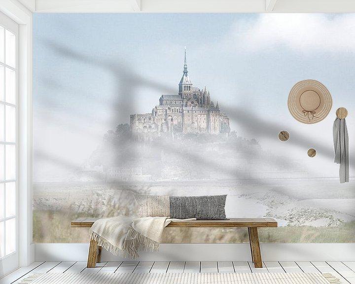 Sfeerimpressie behang: De Mont Saint-Michel Frankrijk kleur van Rob van der Teen