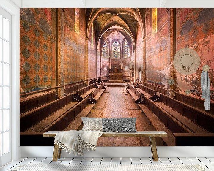 Sfeerimpressie behang: Kerk vol Kleuren. van Roman Robroek