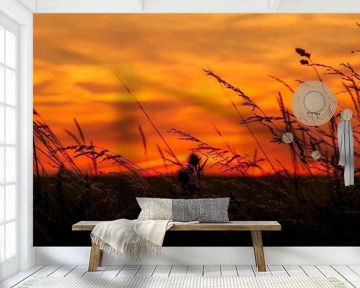 Sfeerimpressie behang: Zonsondergang bij Trintelen in Zuid-Limburg van John Kreukniet