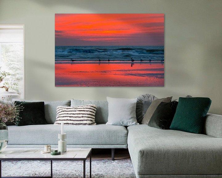 Impression: Mouettes sur la plage après le coucher du soleil sur Anton de Zeeuw
