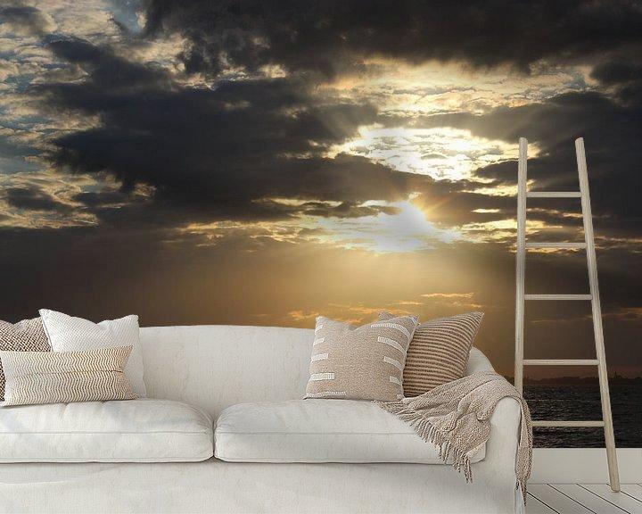 Sfeerimpressie behang: zonsondergang, sunset, wolken van Anja Kok