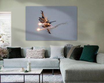 F16 Airpower demo met flares van Joram Janssen