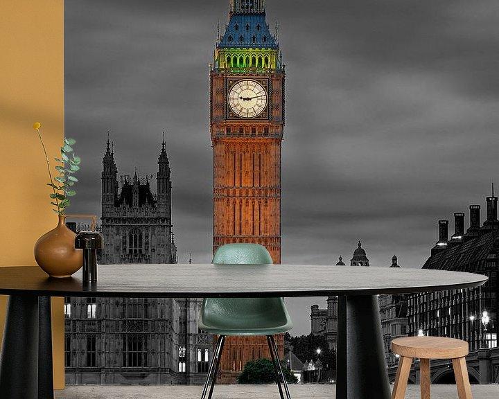 Sfeerimpressie behang: Nachtfoto Big Ben deels zwart / wit te Londen van Anton de Zeeuw