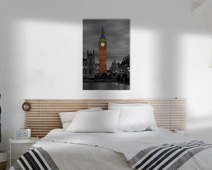 Sfeerimpressie: Nachtfoto Big Ben deels zwart / wit te Londen van Anton de Zeeuw