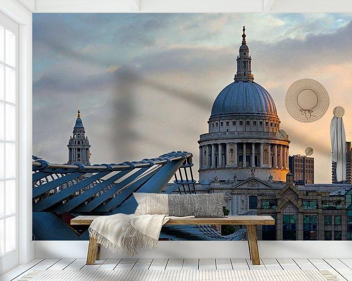 Sfeerimpressie behang: Zonsopkomst St. Paul's Cathedral te Londen van Anton de Zeeuw