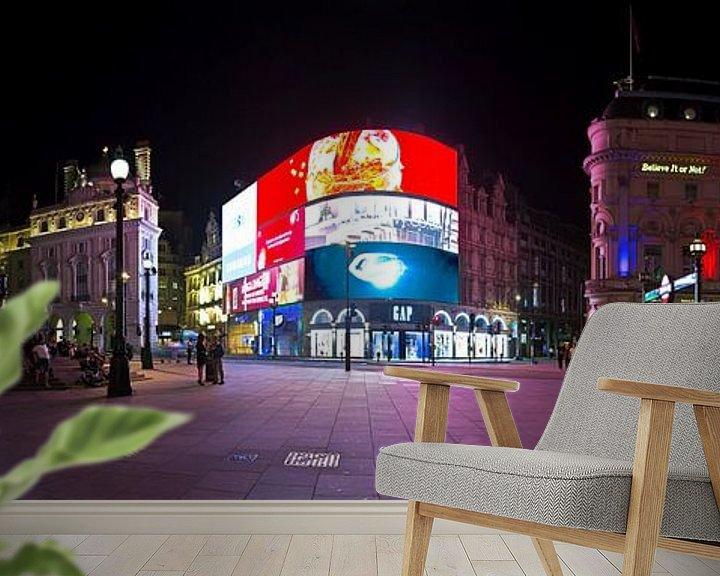 Sfeerimpressie behang: Panorama Piccadilly Circus te Londen van Anton de Zeeuw