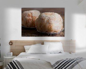 Lekkernij van twee ingezoomde appelbollen van Henny Brouwers