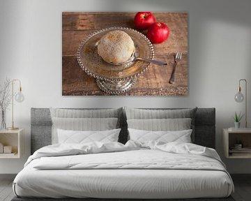 Sfeervolle plaat van een appelbol op een etagere van Henny Brouwers