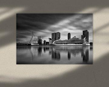 Harmony of the Seas ( Rotterdam B/W )   von Cris Martinez