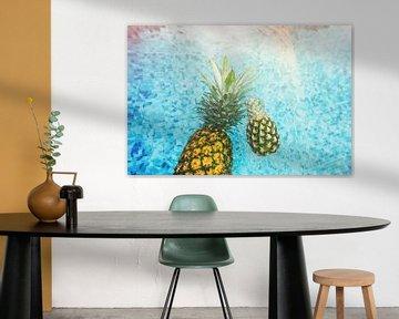 ananas in zwembad sur Fela de Wit