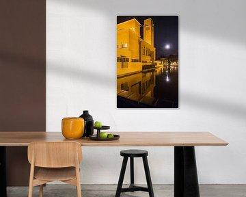 Avondfoto gemeentehuis Hilversum van Dennis Kuzee