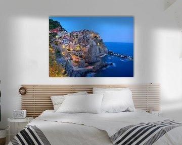 Manarola , Cinque Terre, in het blauwe uurtje van Rens Marskamp
